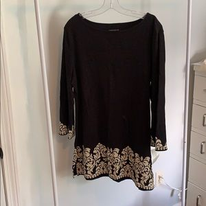 Size large boat neck tunic top